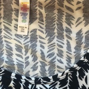 Black and white Lularoe tunic